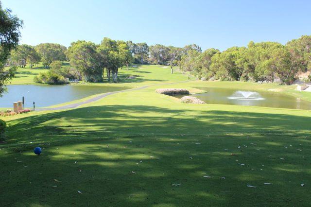 Lake course,hole 1,par 4.